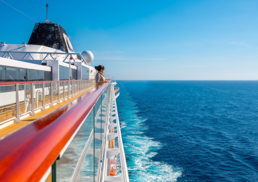 What You Need To Know About Luxury Boat Charters